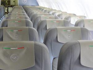LufthansaItalia_A319_D-AKNH_MXP_2010-04-06