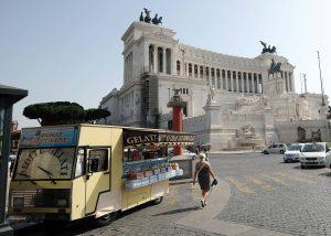 Roma - Camionbar a Piazza Venezia