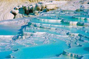 L'acqua raggiunge una temperatura di 35 gradi.