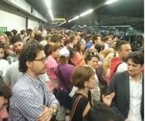 metro-B1_banchina-affollata