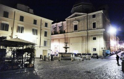Piazza_della_Madonna_dei_Monti.