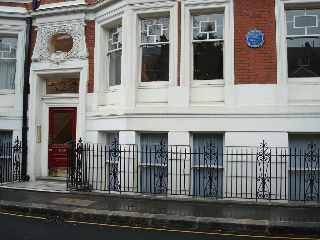 Bob_Marley_apartment_in_London