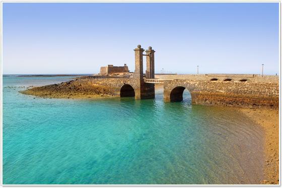 Castello-e-Ponte-di-Arrecife-Lanzarote