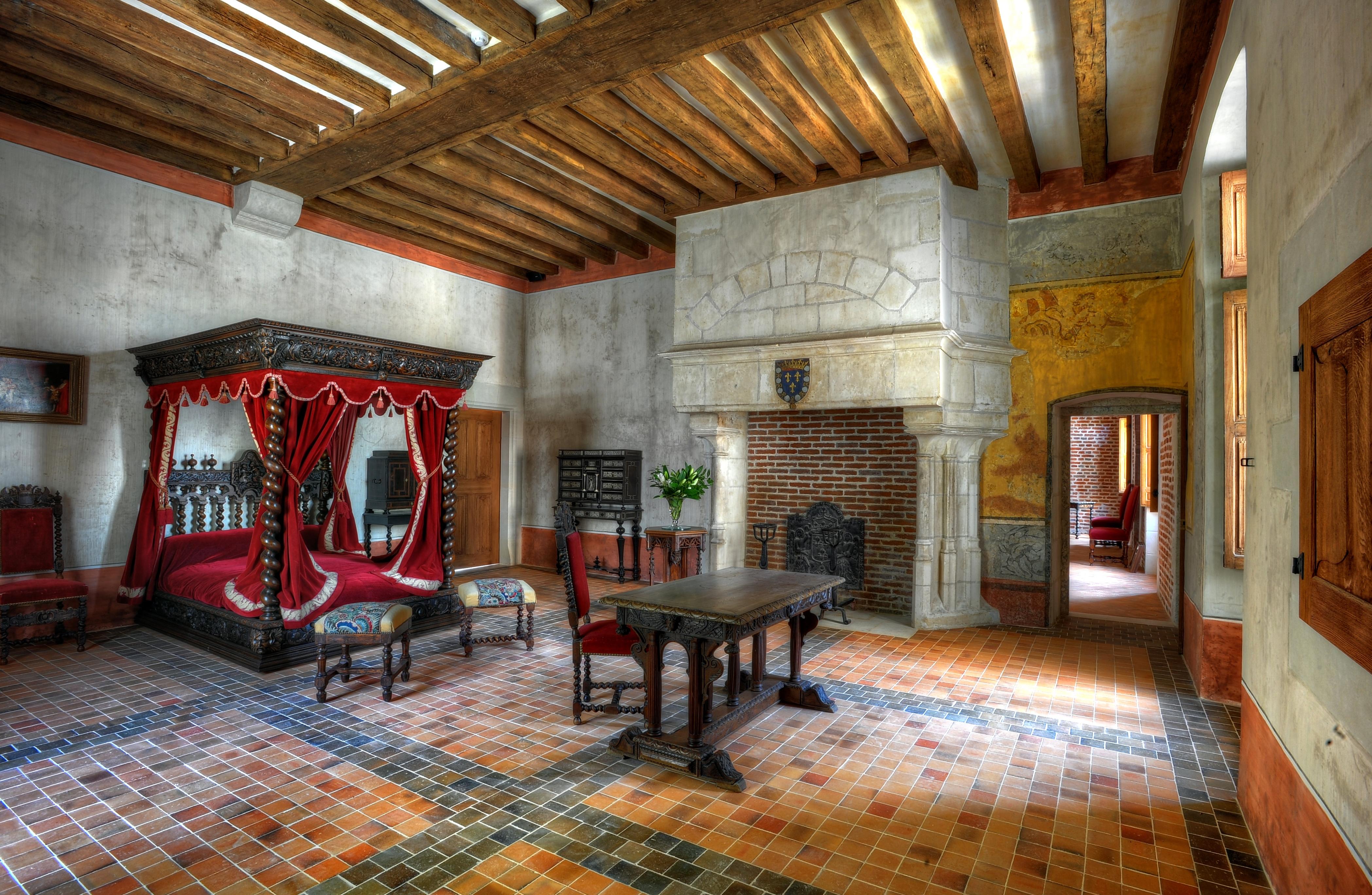 In viaggio tra i castelli della loira - Camera da letto del papa ...
