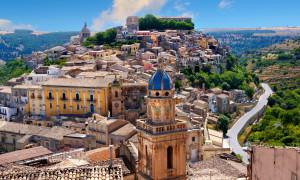 BJR2GY Santa Maria delli'Idria in the foreground and Ragusa Ibla Sicily behind