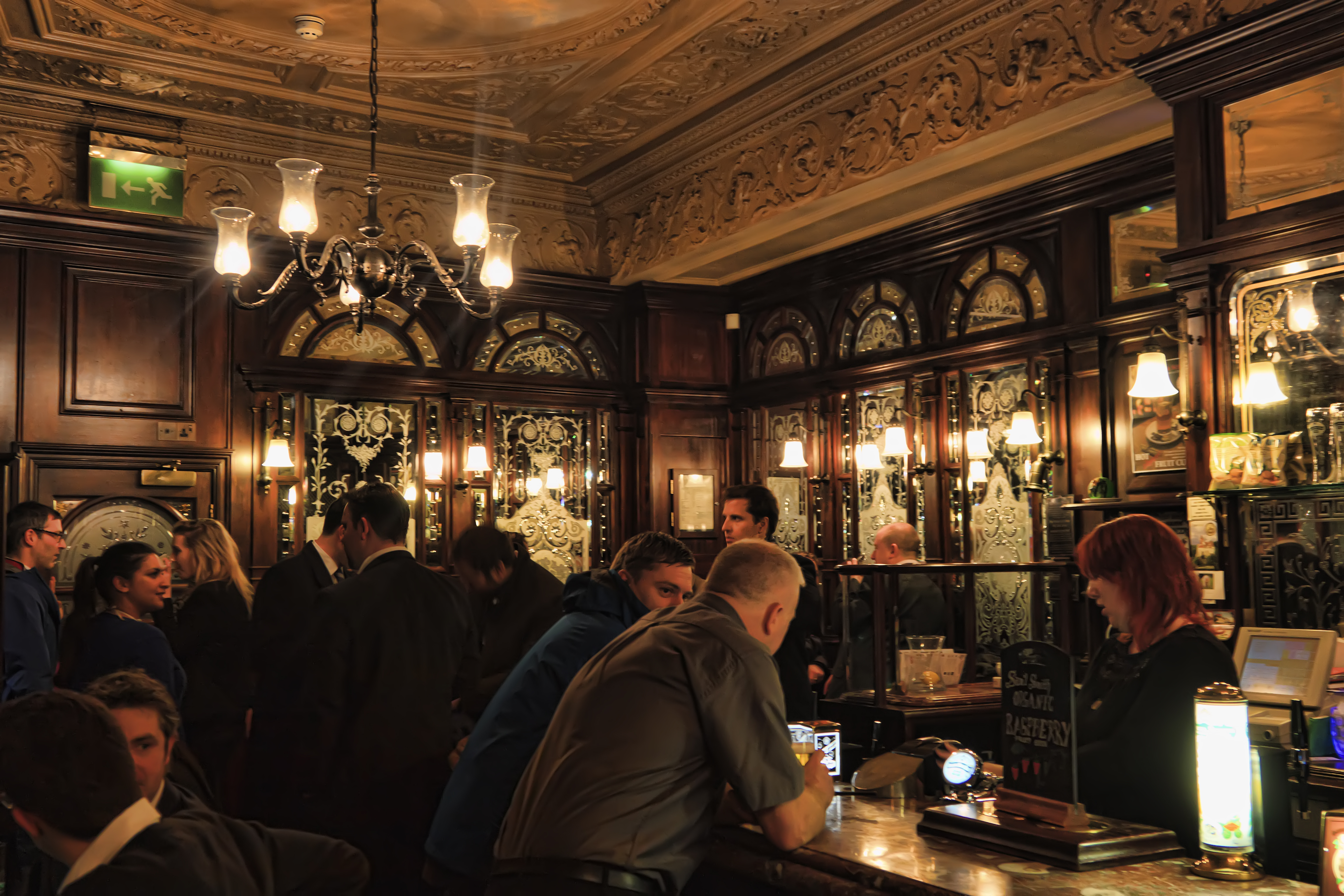 Il Gin Tra Storia E Pub Pi 249 Cool Di Londra Tgtourism