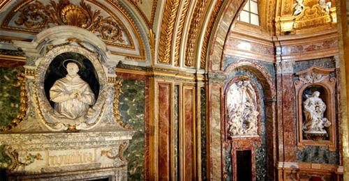 roma_palazzo_del_monte_di_pieta_03