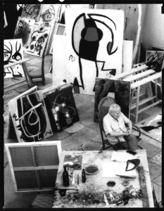 Joan Maria de Moral Miró all'interno dello studio Sert