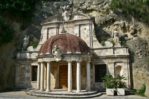 Tempietto Sant'Emidio alle Grotte
