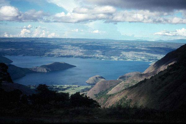 Lago Toba (SUMATRA)
