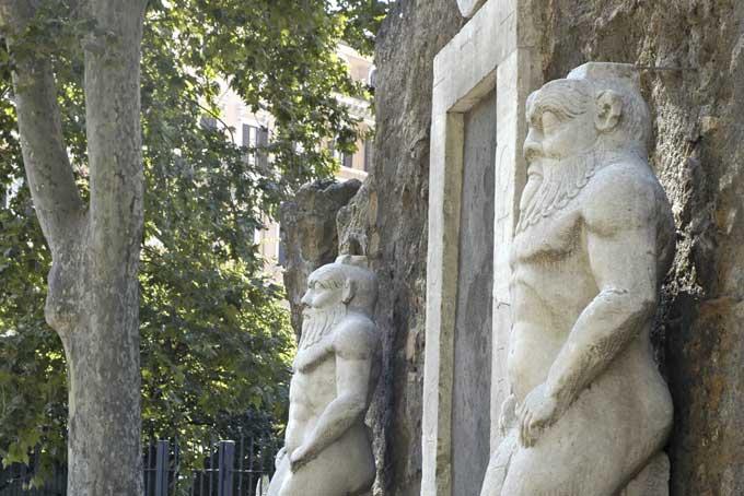Statue dio Bes