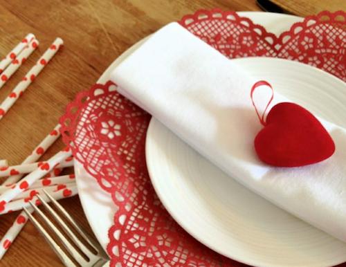 Cena di san valentino ecco il menu secondo cupido tgtourism - Idee tavola san valentino ...