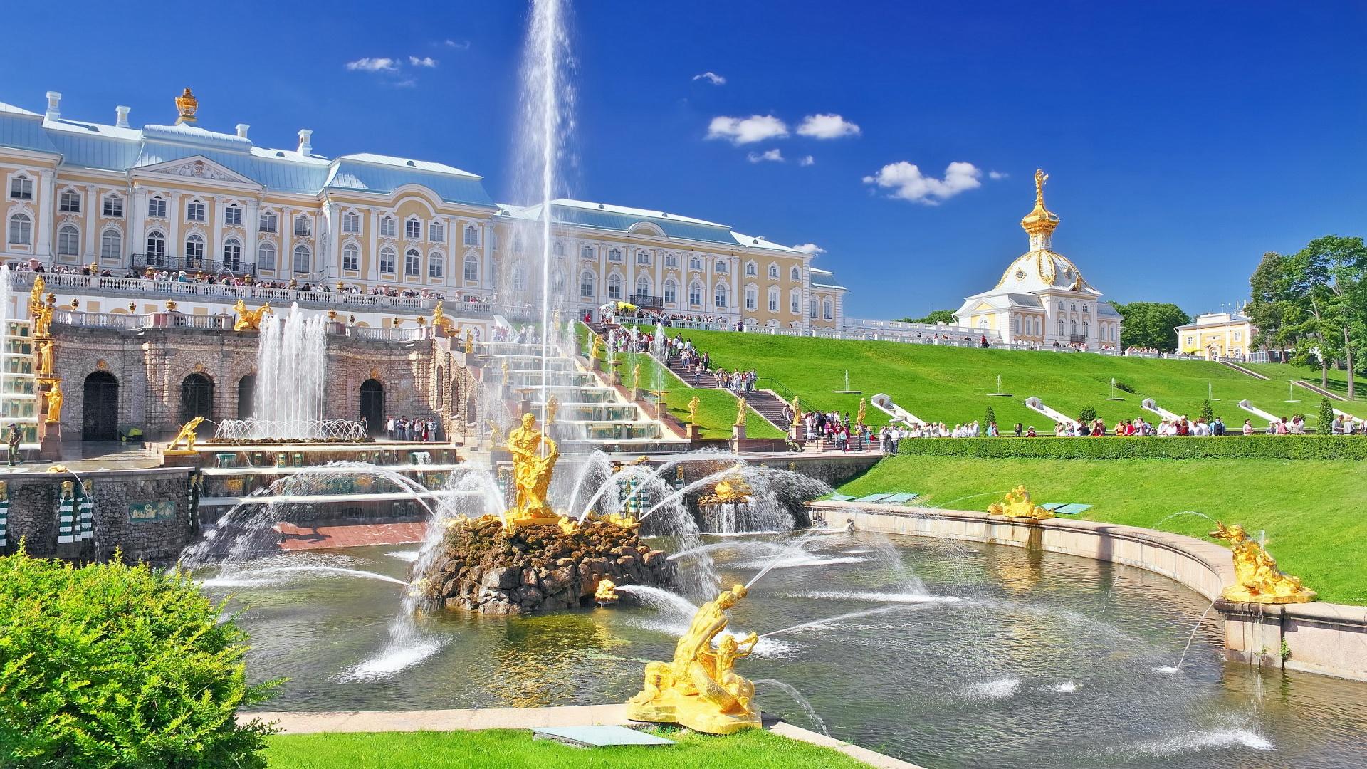 russia-palace-of-Peterhof