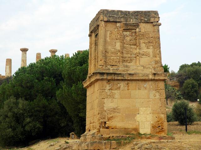 Tomba di Terone/Valle dei Templi