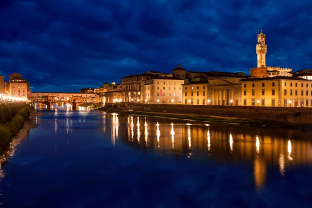 home-hotel-florence_vista-by-night