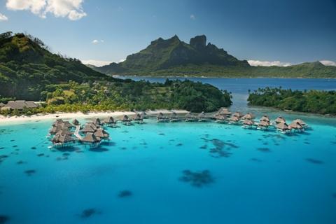 Le acque cristalline delle Isole di Tahiti