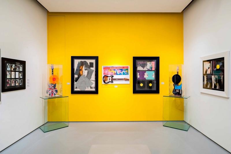 """Stanza mostra """"Warhol vs Gartek. Hyp pop"""""""