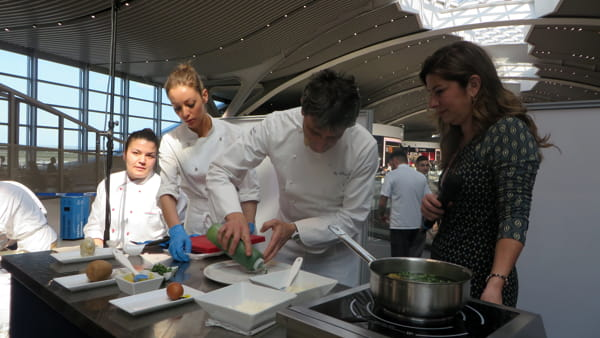 Chef e studienti al cooking show di Fiumicino