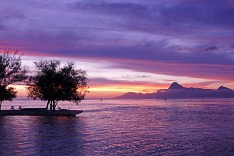 Tramonto a Tahiti
