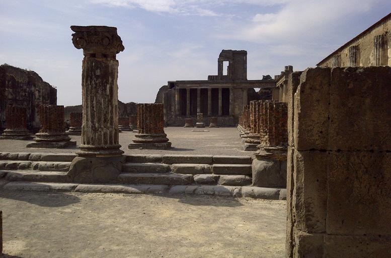 Pompei, oggi riaperte altre due Domus