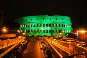 Colosseo illuminato di verde per Global Greening