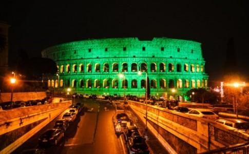 Colosseo illuminato di verde per Global Greening