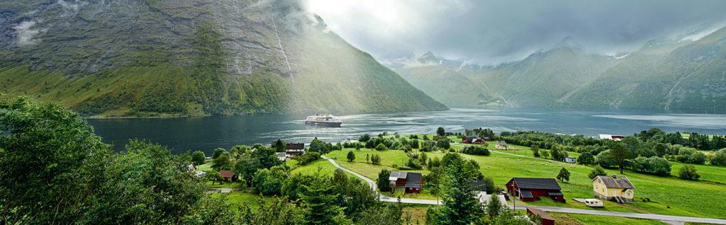 Paesaggi norvegesi con Hurtigruten