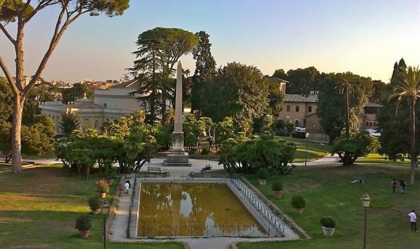 Villa Torlonia laghetto (itinerario dei parchi di Roma)