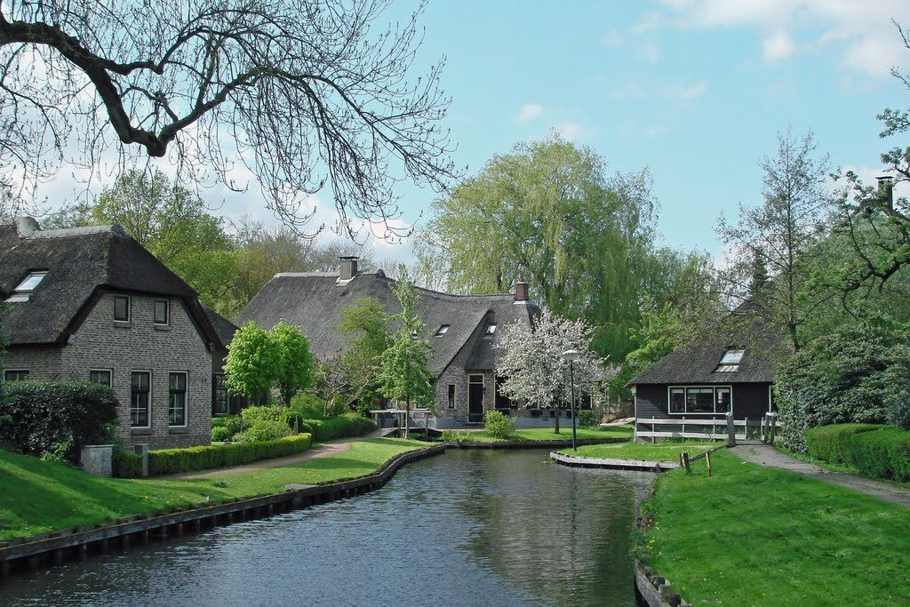 Dwarsgracht, villaggio sull'acqua raggiungibile da Giethoorn