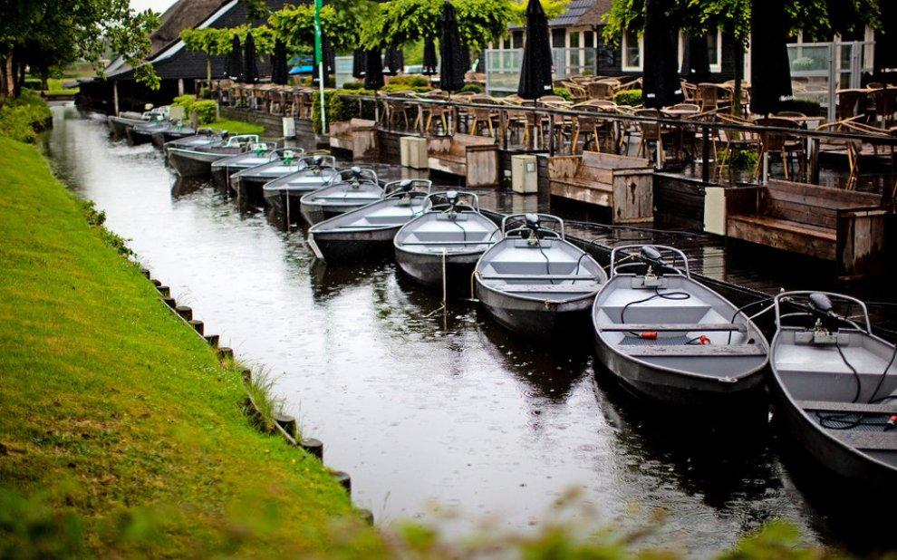 Giethoorn, ristorante sull'acqua