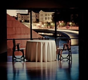 Linee essenziali e vista mozzafiato per il ristorante stellato Nerua del museo Guggenheim di Bilbao