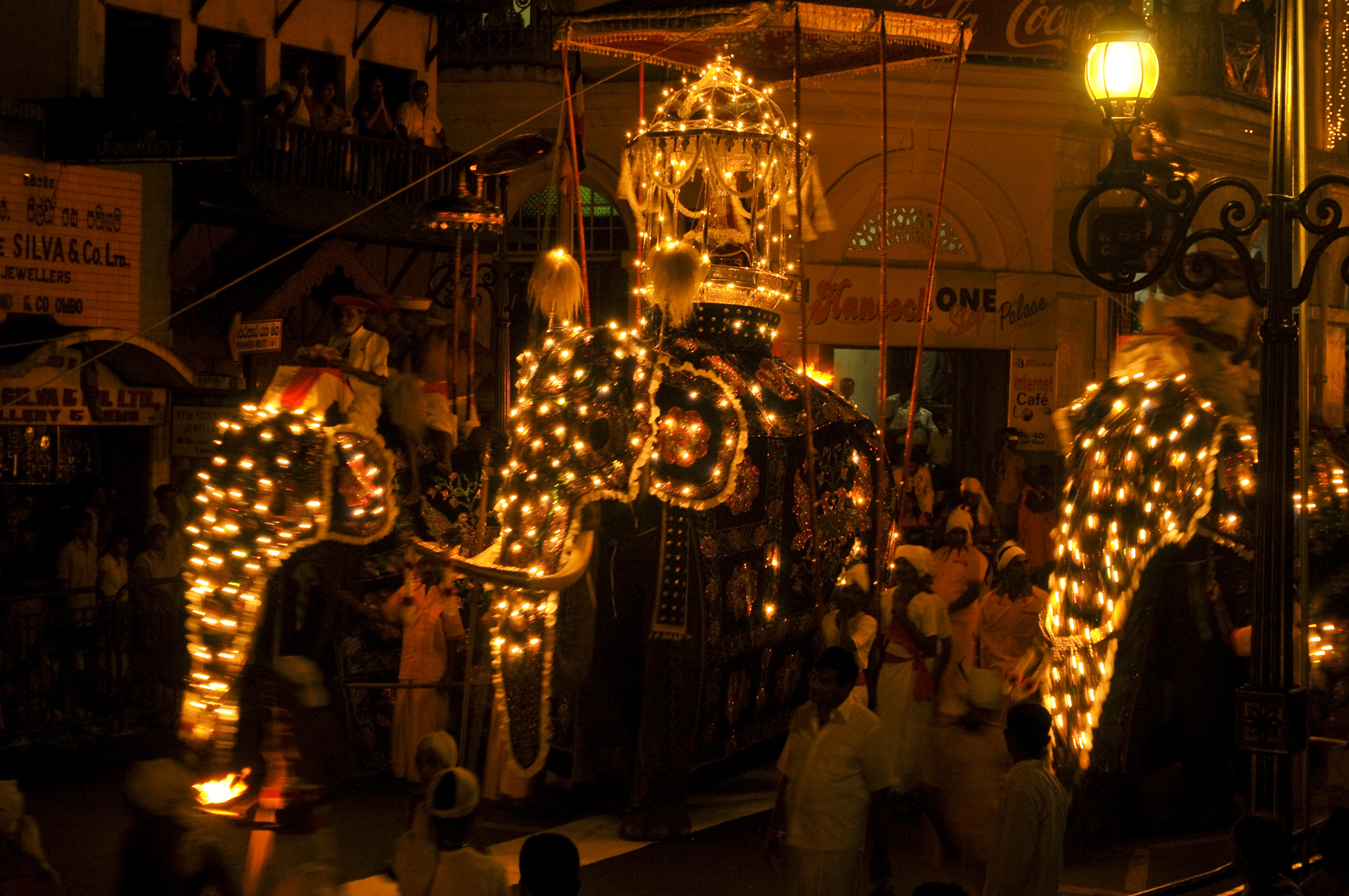 Festival Esala Perahera, Sri Lanka, 29 luglio - 8 agosto