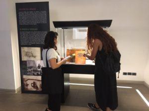 """Visitatori della mostra """"Le immagini della scienza"""""""
