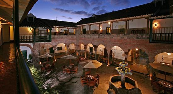 Viaggio nel cuore della biodiversit tra per e isole for Hotel casa andina classic cusco plaza