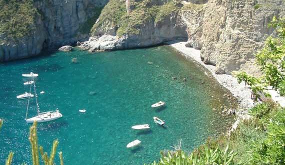 Baia Sorgeto, Ischia (spiagge da non perdere)