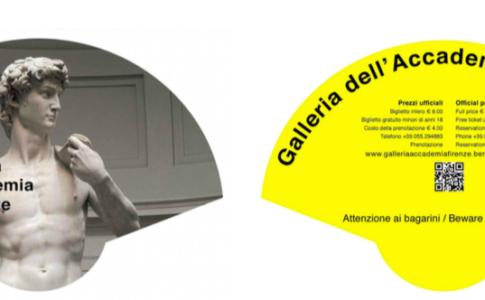 Ventagli contro i bagarini della Galleria dell'Accademia di Firenze