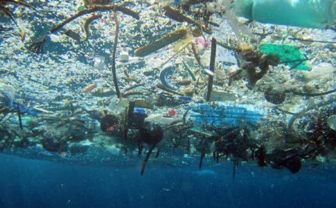 Plastica nel mare