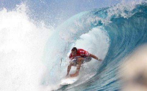 Surfista della Billabong Pro