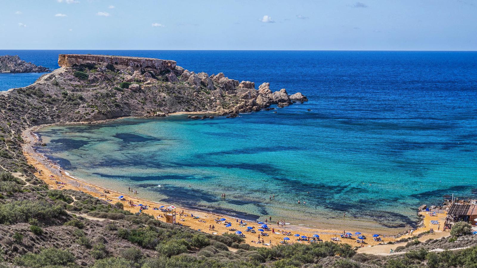 Spiagge di malta for Setacciavano la sabbia dei fiumi