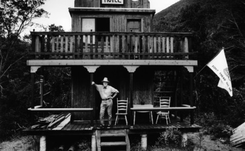 Ferlinghetti al Old West Hotel Big Sur
