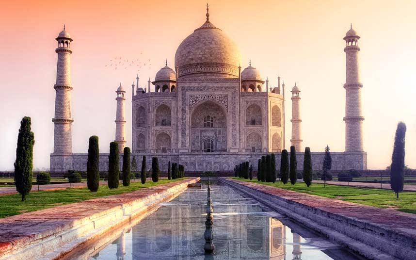 Taj Mahal, Indiatra le sette meraviglie
