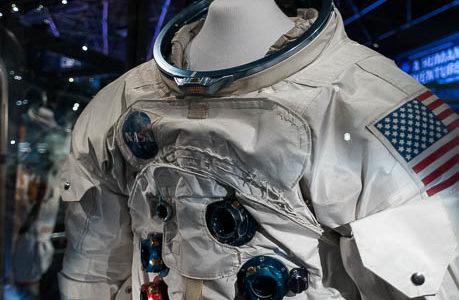 """Foto mostra sullo spazio e la NASA """"A human adventure"""""""