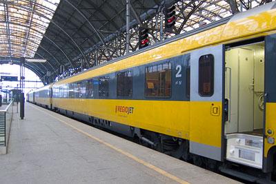 leo express trainline