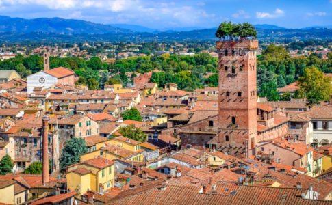 Lucca, preferita tra i viaggiatori nazionali
