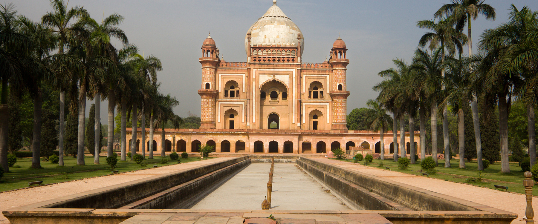 Famous Buildings In New Delhi