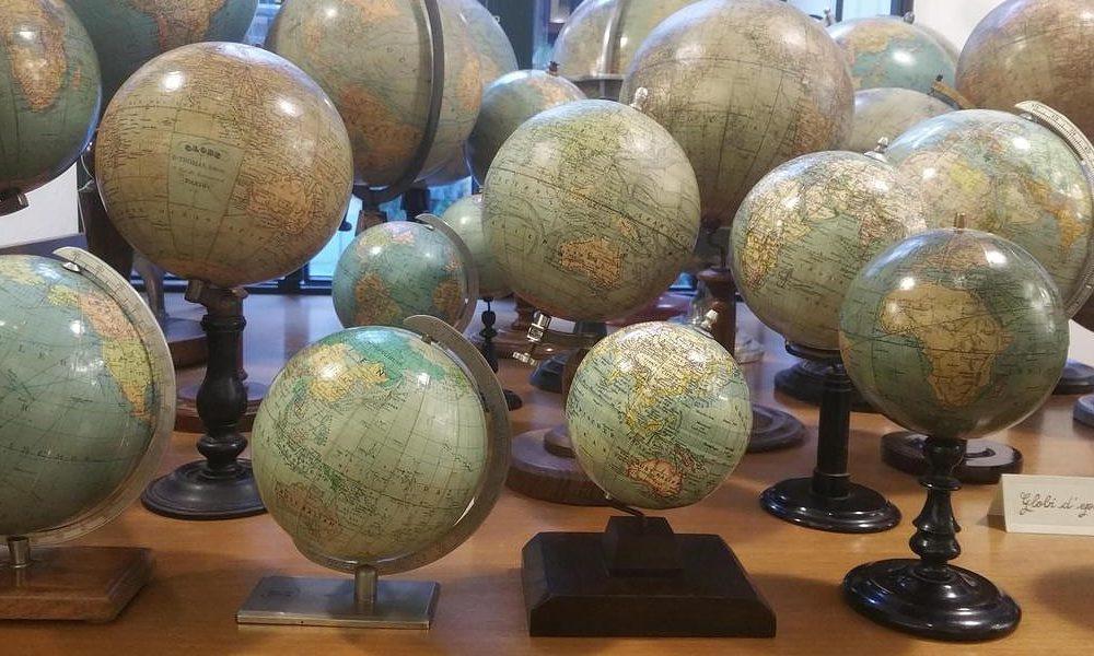 I Mappamondi Depoca Sono Dei Veri E Propri Oggetti Darredamento