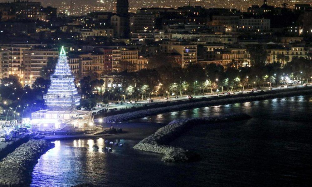 Immagini Di Napoli A Natale.Il Natale A Napoli E Davvero Magico Dai Villaggi Di Babbo