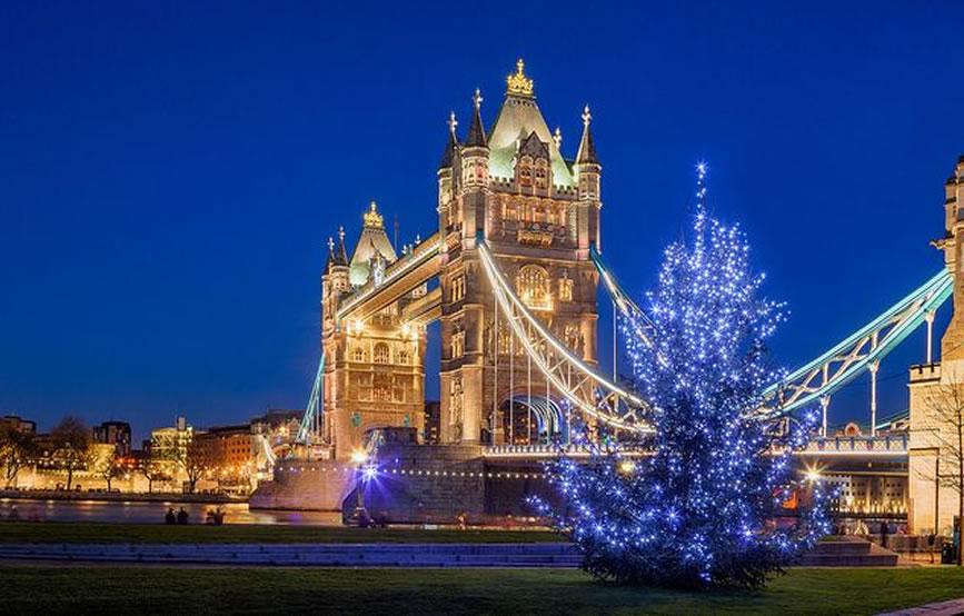 Immagini Londra Natale.Londra Sotto Natale E Davvero Magica Dai Mercatini Alle