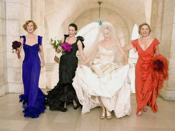 Protagoniste di Sex and the City durante il matrimonio di Carrie, con l'abito da sposa