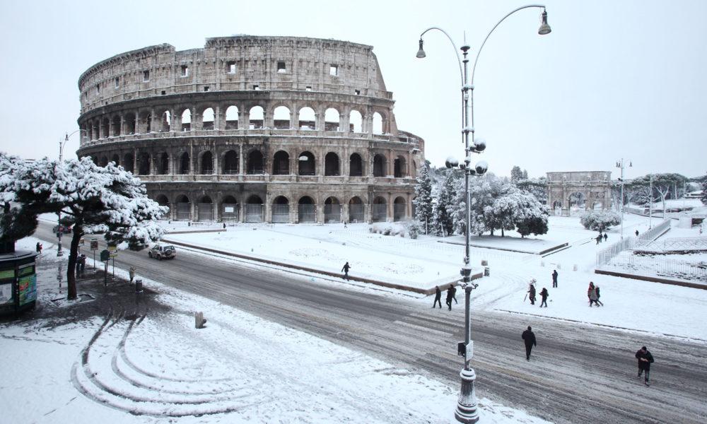 Maltempo Roma, dopo la neve proseguono interventi su scuole e viabilità